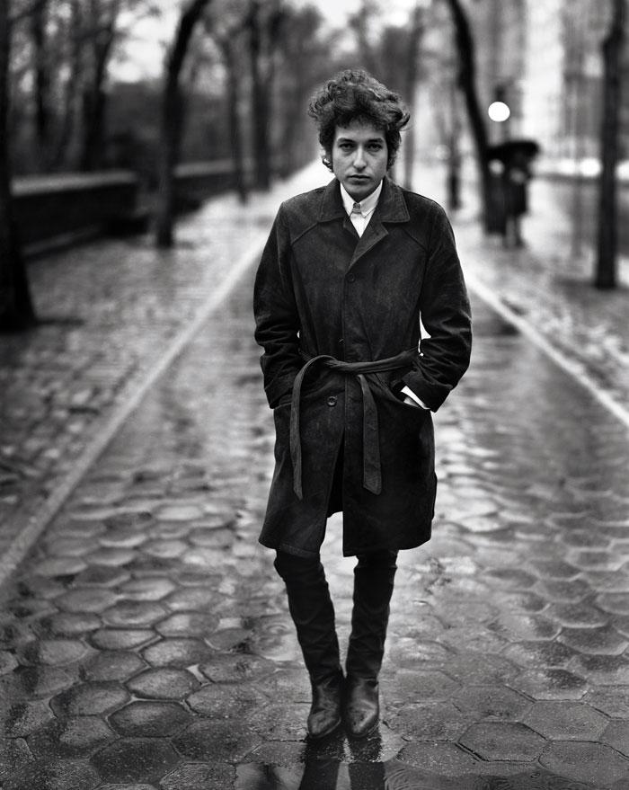 Bon Dylan disfruta caminar por las calles de las ciudades que frecuenta, sin rumbo fijo.