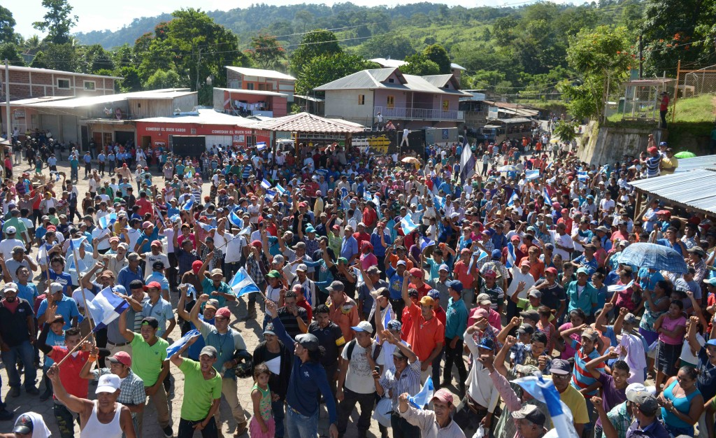 La oposición que hace campaña para que la gente no vote el próximo seis de noviembre, realizó tres protestas contra las elecciones. LA PRENSA/J. FLORES.