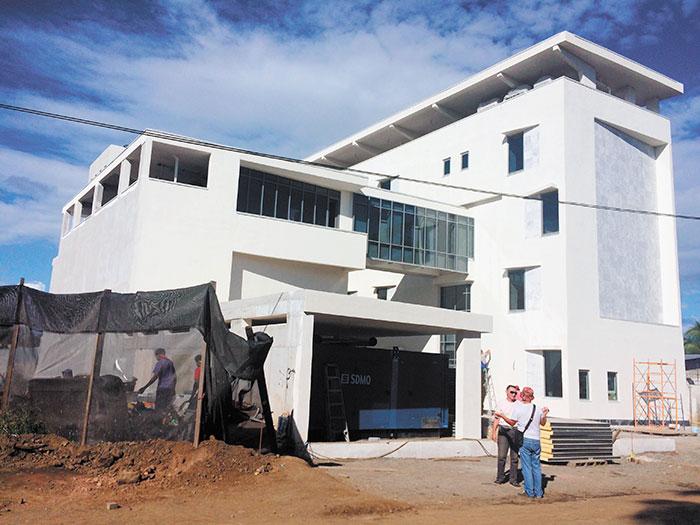 Así luce el Centro de Capacitación Antidrogas de Centroamérica que Rusia construye en Las Colinas, Managua. Los responsables de los trabajos son rusos y muchos albañiles también son de esa nacionalidad. Foto: LA PRENSA / Fabrice Le Lous.