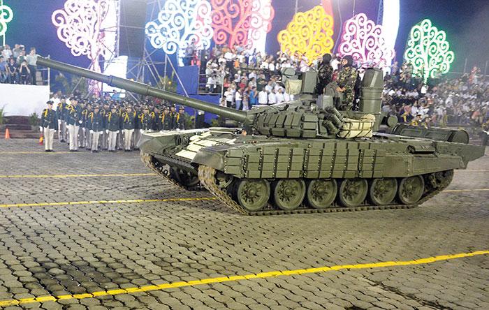Por ahora, señalan los expertos, para lo único que servirán los 50 tanques rusos T-72 será para los desfiles del Ejército de Nicaragua, pues el país no está en conflictos armados. Foto: LA PRENSA / Manuel Esquivel.