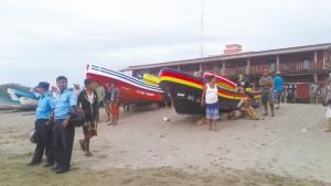 A los pescadores del balneario de Casares en el municipio de Diriamba, se les había impedido sacar sus lanchas del mar. LA PRENSA/MYNOR GARCÍA.
