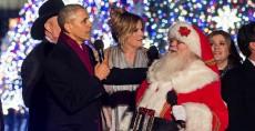 El presidente Barack de EE.UU, Barack Obama, cantó villancicos después de hablar durante la iluminación del árbol de navidad en Washington. LA PRENSA/AFP