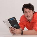 José Alfredo Jiménez estrena su primer libro de cuentos y poemas, Incertidumbre
