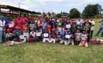 Niños contentos con su implemento deportivo. LAPRENSA/ROSA MEMBREÑO.