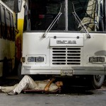 Escasez también paraliza transporte