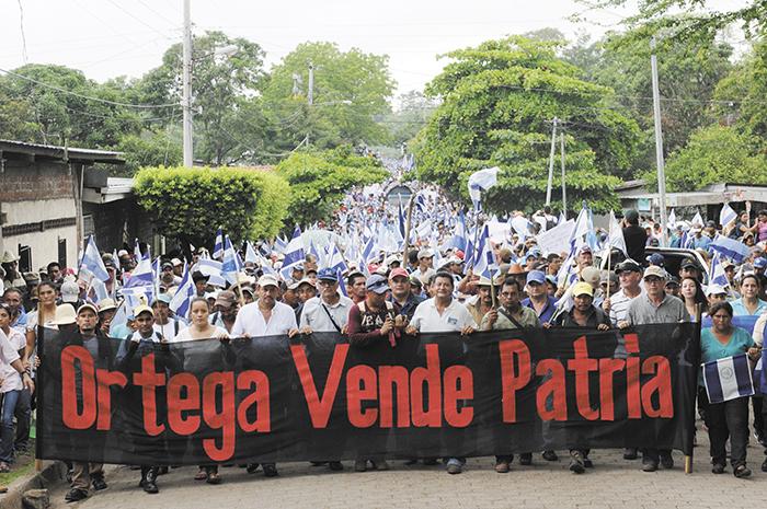 Marcha contra el Canal de Nicaragua en Chontales en 2015. LA PRENSA / Douglas López.