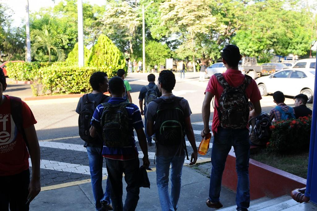 Universitarios.