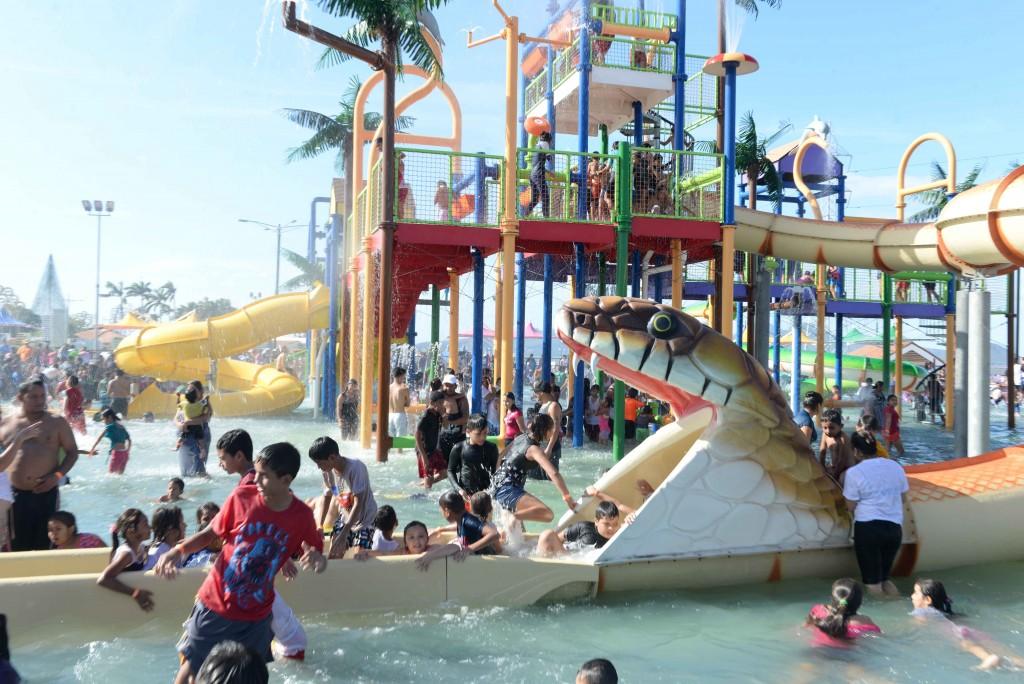 Parque acuático en el paseo Xolotlán, ha registrado gran afluencia en estos días después de su inauguración.