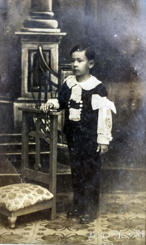 Pedro Joaquín Chamorro en su primera comunión. LA PRENSA/Cortesía familia Chamorro.