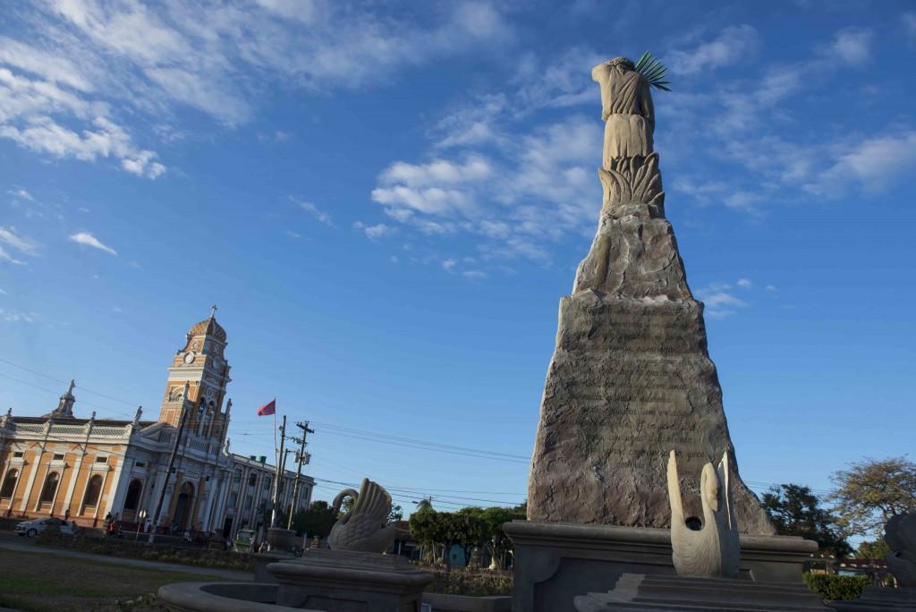 Monumento a Rubén Darío en el sector de la Iglesia Xalteva. Granada 05 de enero de 2016. FOTO LA PRENSA/Lissa Villagra