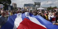 Cubanos buscan visa estadounidense en La Habana
