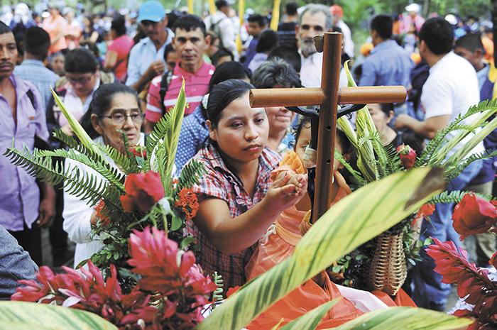La feligresía católica se desbordó con fervor y devoción al Cristo Negro este sábado, en el municipio de Esquipulas, Matagalpa. LA PRENSA/C. VALLE
